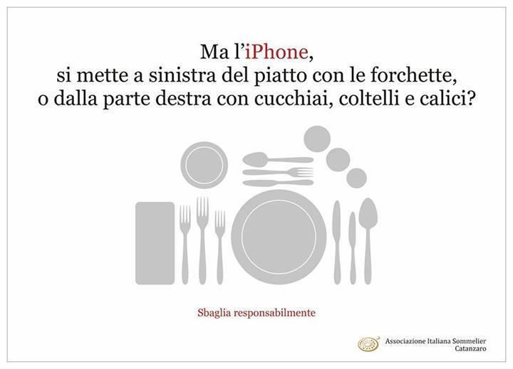 """La Asociación de Sumilleres de Catanzaro, en Italia, ya se plantea que lugar debe ocupar el smarphone en la buena mesa, """"cubierto"""" básico para un buen """"foodie"""""""